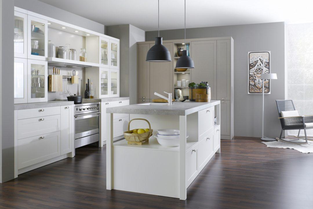Küchenstudio Bingel Bad Ems Wohnküche Klassik weiß Glastüren