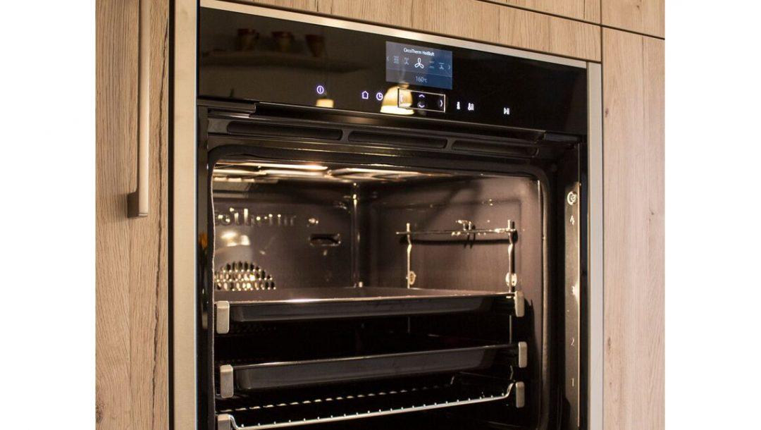 Küchenstudio Bingel - Küche Holzdesign - Details - Backofen